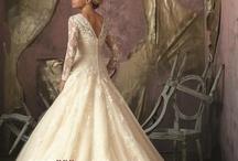 Wedding Dress Styles / by Lauren Pressy