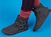 Shoes. Boots / by Vanessa Jordan