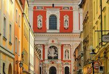 Best Places to Visit Poland / Photos of the best places to visit in Poland curated for you by the Europe a la Carte Travel Blog.