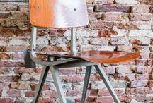 LOVT loves Friso Kramer / Vintage design meubels van Friso Kramer mooi voor een loft / industrieel interieur / mix & match / vintage / stoer vintage design meubels interieurontwerp loft retro interiordesign Ahrend De Cirkel