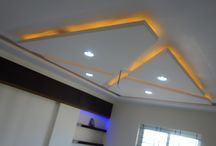 Ceiling Interior Design Ideas / When most of us think about ceiling for our homes, the thing that comes to our mind is white and flat. Despite all the amazing steps we have taken forward in designing and decorating the rest of the house, a 'ceiling' seems to be something that skips our mind rather easily. But a great ceiling design, whether it is in the living room or the dining area, the kitchen or the bedroom.