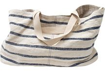 Get carried away / You will get carried away with these beautiful summer bags made out of jute. Perfect for a day at the beach or a picnic in the park!