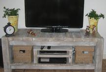Τραπέζι τηλεόρασησ