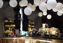 Bar/restaurant/lobby
