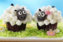 Cupcakes / by Heidi Crowley