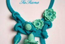 Bijoux au crochet / by Valerie Fenet