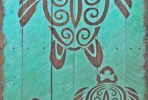tablouri pe lemn și ceasuri perete