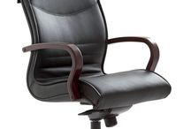 PULCHRA WOOD / #emmegi #emmegiseating #PULCRAWOOD #office #meetingroom An updated classic, with hi-tech content. With its timeless style, the PULCHRA executive chair easily adapts to a classic office and to contemporary interiors