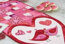 Quilts-Table Runners / by Theresa Pike