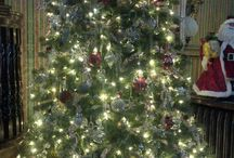 Holiday Decor at the Birmingham Manor Bed and Breakfast