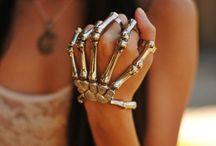 Halloween Accessories & Halloween Make-Up Ideas