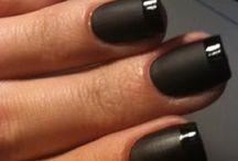 nails / by Erin Goldberg