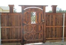 Wood Gates / Wood Gates in Dallas TX