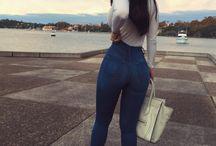 dupy w dżinsach