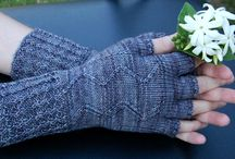 Knitted gloves and mitts
