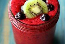 triple berry kiwi smoothie