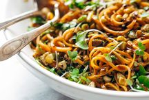 Spiralized Salads / Salad recipes that involve spiralized veggies! Mostly gluten free and vegan. Pinned by Loveleaf Co.