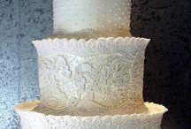 Weddings cakes & Élégant Cupcakes / Les weedings cake et pièces montées les plus spectaculaires ou royales ou tout simplement élégants et raffinée / by Sanaa Bench