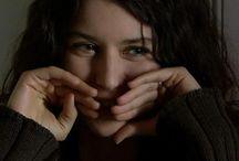 Beren Saat / بيرين سات (بالتركية: beren saat)؛ (26 فبراير 1984 -)، ممثلة تركية. ولدت في مدينة أنقرة، وهي من أهم الممثلات الشابات في تركيا حاليا وتحضى بيرين باهتمام كبير من الصحافة نظرا لنجاحها وتألقها. وقد قامت بيرين بالعديد من الأفلام والمسلسلات والإعلانات أيضا أهمها اعلان شركة ريكسونا العالمية, واعلان باتوس وهو احدى المملحات بالإضافة إلى مشاركتها الدائمة في البرامج التلفزيونية والمهرجانات الكبرى.   / by SAYIDATY