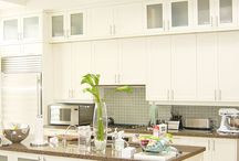 Custom Kitchen Cabinets - Contemporary / Custom kitchen cabinets with contemporary design by Millo Kitchens and Baths