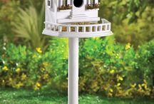 domki dla ptaków , ogród