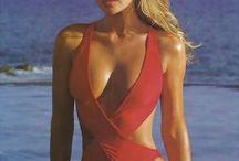 90s Top Models & Supermodels - Blonde Bombshells / Valeria Mazza - Karen Mulder - Daniela Pestova - Ingrid Seynhaeve - Claudia Schiffer - Eva Herzigova