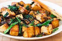 6FIT - Vegetarian Week: Eat Tofu! / Plain tofu has a lot going for it. It's a terrific source of protein, zinc, iron, and it even contains some cholesterol-lowering omega-3 fatty acids.