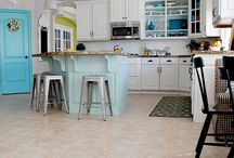 Kitchens to Die For / by Suzanne Eisenhauer