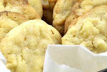 White choc macadamia biscutes