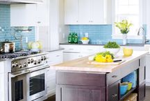 Kitchen Love / Our favorite room, like many others, is the kitchen. Here is a collection of our favorite kitchen inspirations showcasing a few spaces we would definitely cook in!