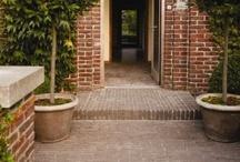 Bestrating Tuin | Classica / Gebakken bestrating voor een tuin met klasse en stijl. Met een traditionele en rustieke uitstraling.