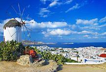 Mykonos Adası / Yaz rüzgarları tarafından düzenli olarak savurulan küçük, kayalık bir ada, Akdeniz'de tatil için popüler bir mekan haline dönüşmüştür. Neden? Mykonos bir yer olduğu kadar bir yaşam biçimidir de.