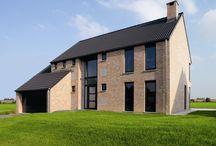 Prosta architektura / Proste domki, stosunkowo niedrogie w realizacji