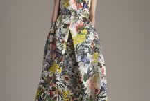 Cores e flores! / Esse estilo floral e coloridinho dão um ar de delicadeza e feminilidade  ao look.