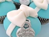 Cake Decorating ideas / by Nina Kissling