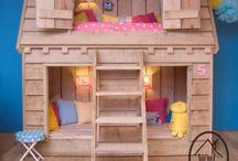 Es bedroom / by April Sawyer