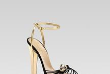 scarpe scarpe e ancora scarpe / by Roberta