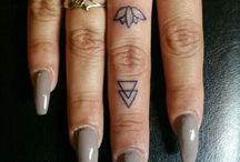 Ujj tetoválások
