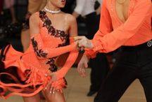 dans kıyafetleri