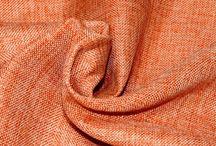 DIVANO O LETTO O ..., USALO COME VUOI / Gran foulard con tessuti resistenti ed eleganti, pesanti e leggeri, dai colori sobri e vivaci.