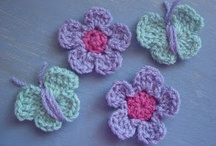 Crochet Motifs / Lots of repeatable motifs here, from squares, hexagons and other shapes, to flowers.
