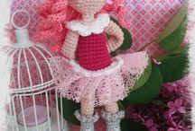 Bella d'après un modèle Fairigurumi / Belle petite poupée, toute en dentelle