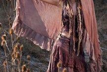 अरम्परागत लोगों के कपड़े