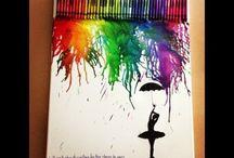 pintando con crayones...