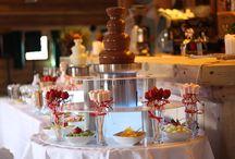Fontanna czekoladowa / Wynajem Fontanny czekoladowej na wesela.  Nie tylko jest pyszna ale i pięknie wygląda.
