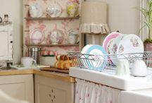 kitchens... / by Sue Johnson