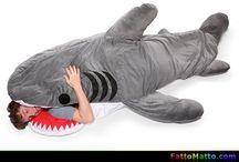 Sacco a pelo a forma di squalo