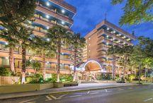 4R Playa Park *** (Salou) / El Hotel Playa Park se encuentra ubicado en la comarca de El Tarragonés, en la Costa Dorada, a tan sólo 100 m de la Playa Larga, que cuenta con un fantástico paseo marítimo y peatonal que va a lo largo de toda esta maravillosa y enorme playa de Salou y a 400 m del centro de Salou.