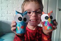 Kinderen knutselen met HGHG / We vinden het belangrijk en leuk om creatief bezig te zijn. Het zorgt voor ontspanning, eigen ruimte, uiten (van creativiteit) en gezelligheid als je het samen doet. Daarom delen we vanuit Hooggevoelig heel gewoon veel knutseltips. Op dit bord vind je foto's van wat kinderen (en hun ouders) geknutseld hebben (thuis) met de knutseltips van Hooggevoelig heel gewoon. Mail ons jouw creatie: eva@hooggevoeligheelgewoon.nl
