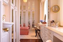 Walk-in-Closets / Every woman dreams of a Walk-In closet
